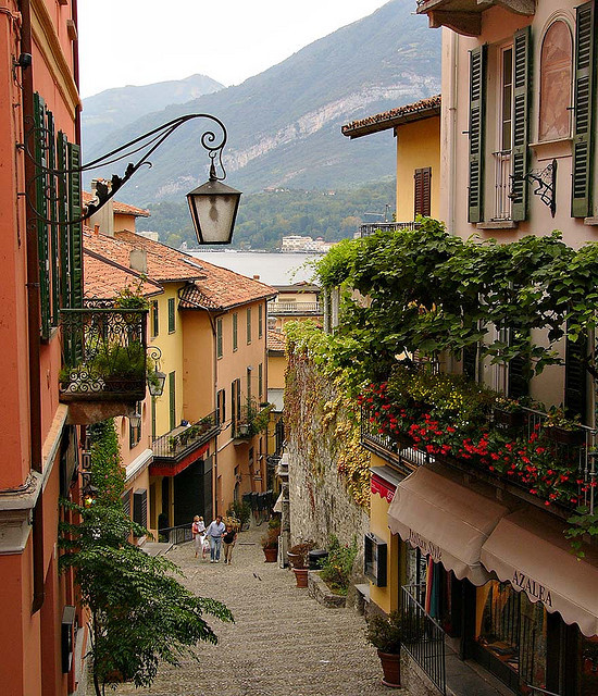Steep alleyways in Bellagio, Lago di Como, Italy