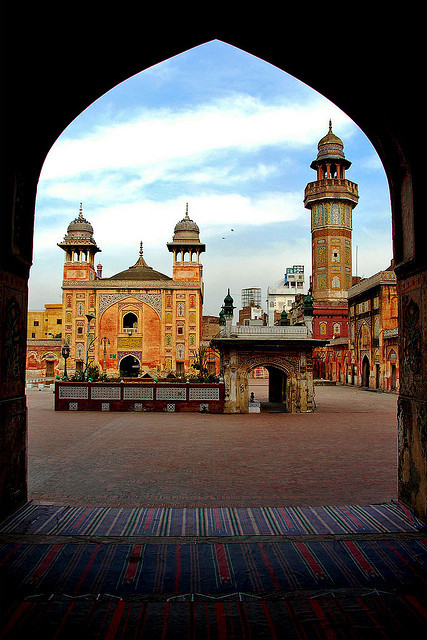 Wazir Khan Mosque in Lahore / Pakistan