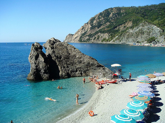 by Brazilian Traveller on Flickr.Beautiful beach in Monterosso al Mare, Cinque Terre, Italy.