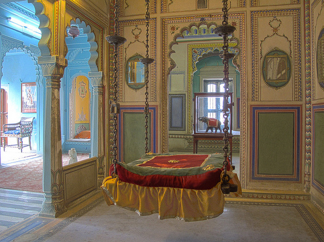 The suspended bed inside Udaipur City Palace, Rajasthan, India