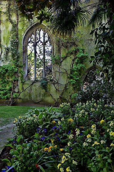 St Dunstan in the East, London / UK